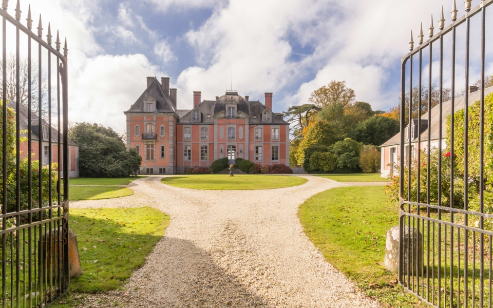 g3331_chateau_de_chantore_001